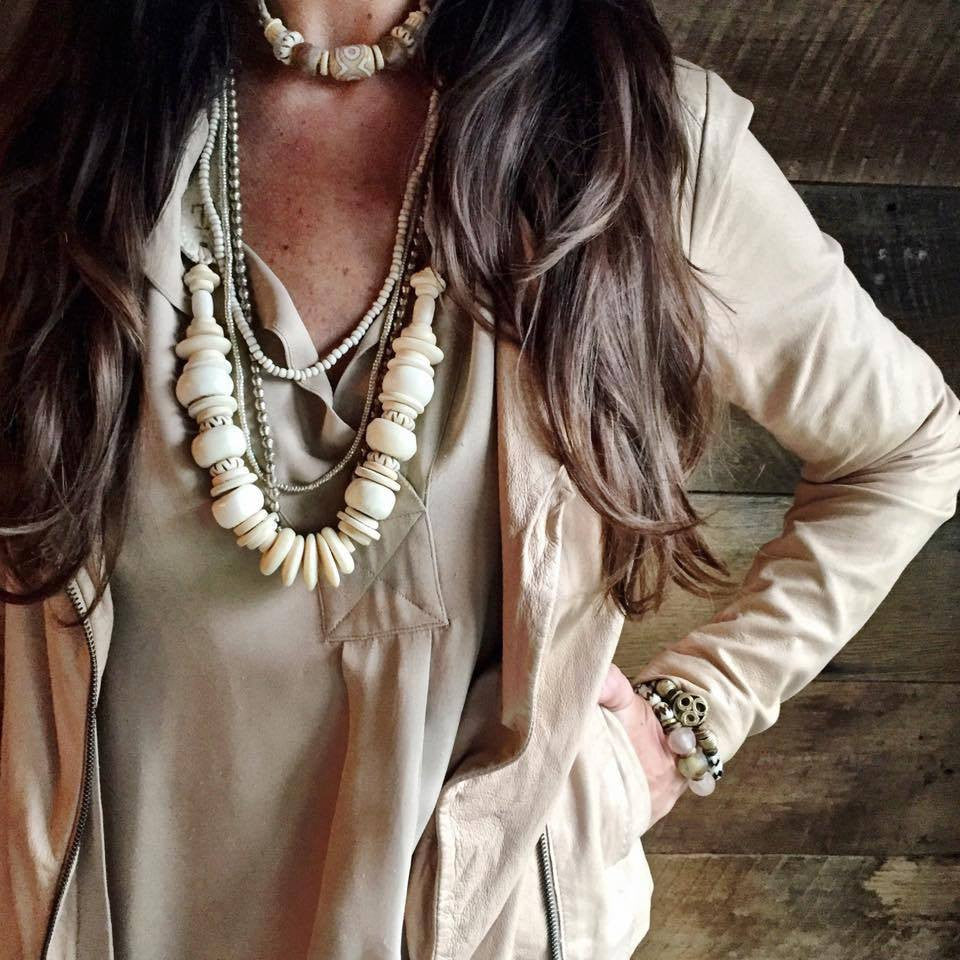 Mid Classic Necklace B W