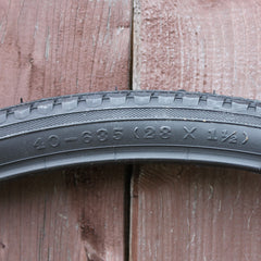 CYT H402 Classic 28 x 1 1/2 (40-635) Tire (Oversize British)