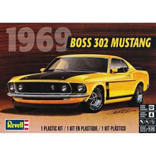 Load image into Gallery viewer, 1/25 '69 Boss 302 Mustang