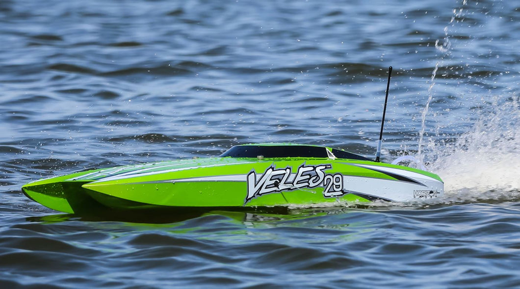 Veles 29-inch Catamaran Brushless: RTR