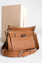 Load image into Gallery viewer, Hermes Jypsiere Handbag