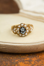 Load image into Gallery viewer, Yellow Gold Tiny Pearl Flower Ring