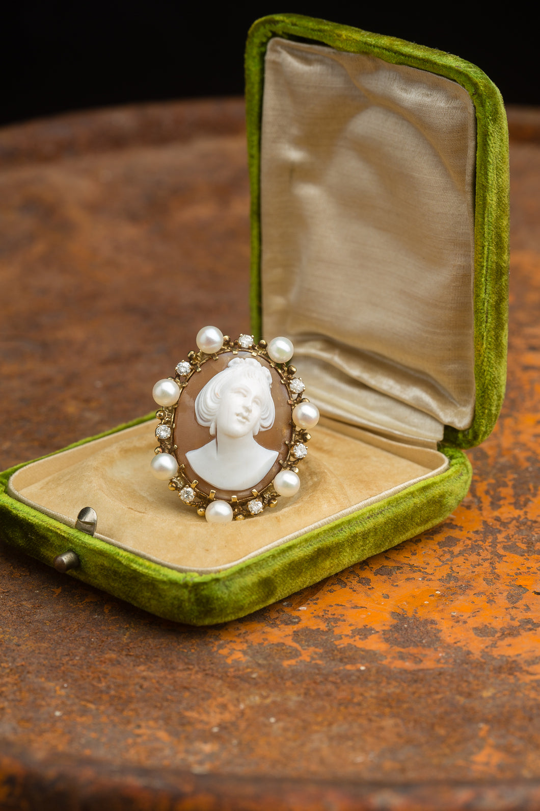 Large Female Cameo Ring