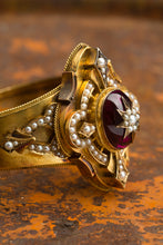 Load image into Gallery viewer, 18kt Victorian Seed Pearl Cuff