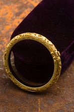 Load image into Gallery viewer, Constantino 18kt Yellow Gold Bangle