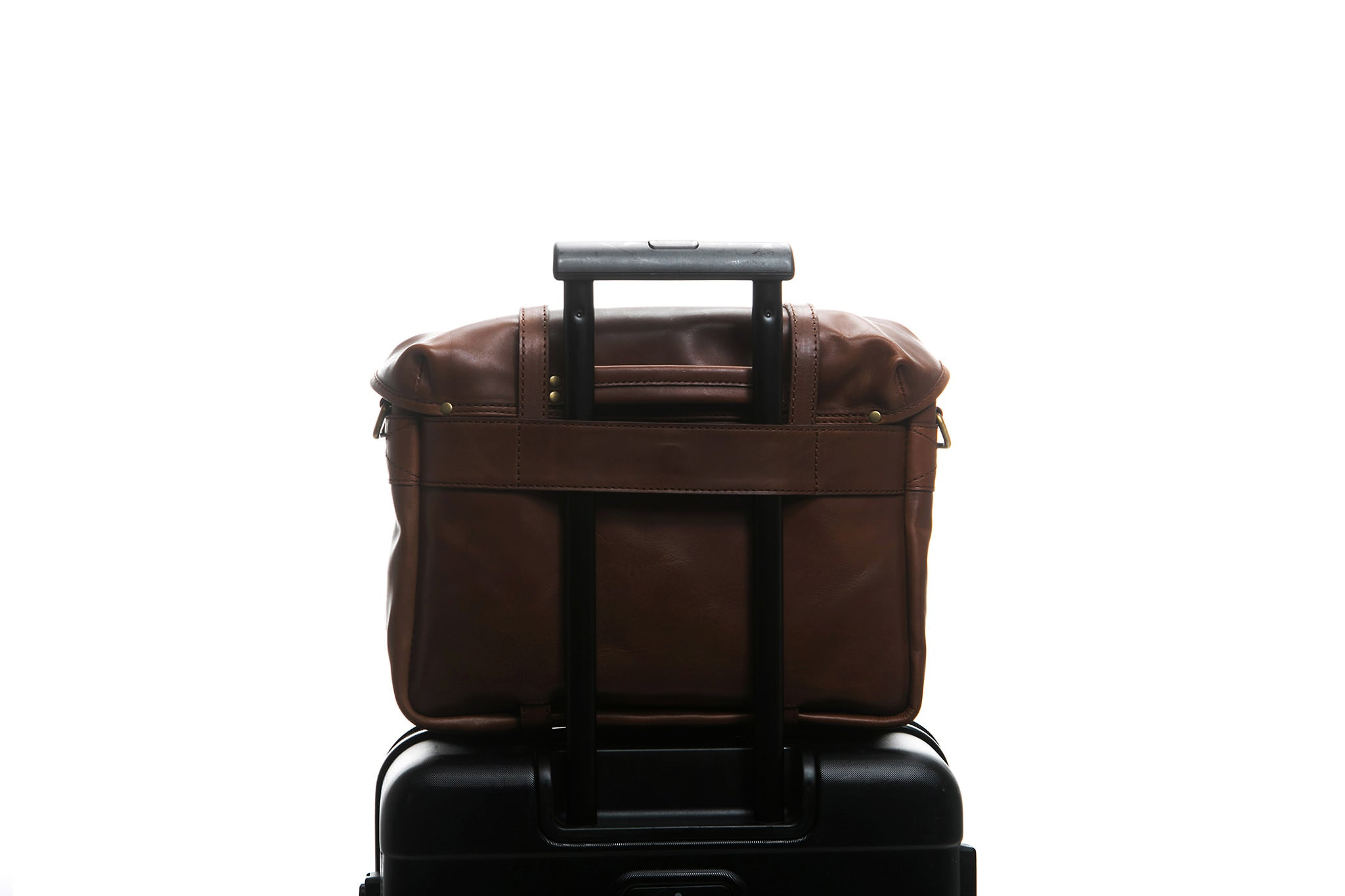 Traveling made easy with a Cravar bag.