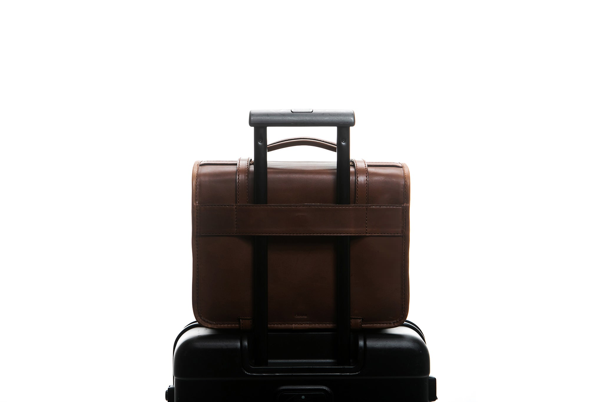 Traveling made easy with a Cravar bag. Function shown here with an older Rana model.