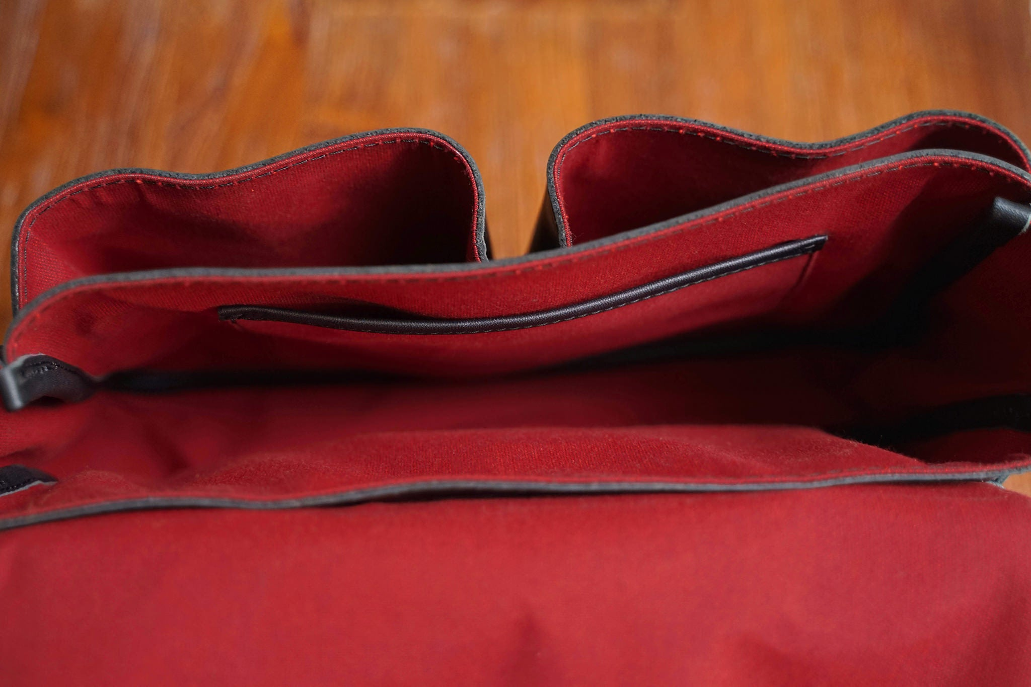 A view of the inside of the F.C. while empty. Note that all inside facing accessories such as rivets are covered, to avoid scratching the bag's contents.