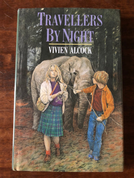Alcock, Vivien - Travellers by Night (Hardcover)