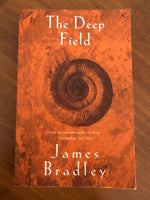 Bradley, James - Deep Field (Paperback)