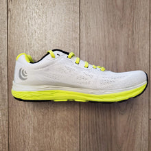 Load image into Gallery viewer, Topo Athletic Women's Fli-Lyte 3 - Silver/Lime
