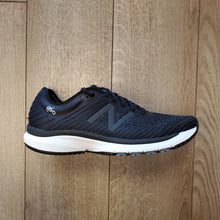 Load image into Gallery viewer, New Balance Men's 860 V10 - Black with Phantom & Lead