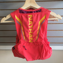 Load image into Gallery viewer, Nathan VaporMag 2.5L Women's Race Vest