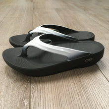 Load image into Gallery viewer, Oofos Oolala Sandal - Cloud