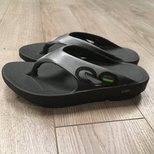 Load image into Gallery viewer, Oofos Original Sport Sandal - Graphite