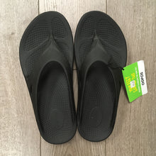 Load image into Gallery viewer, Oofos Ooriginal Sandal - Black