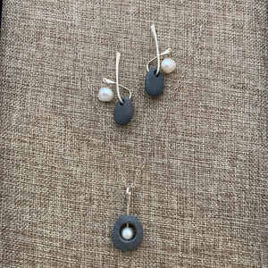 Pebble Necklace & Earrings