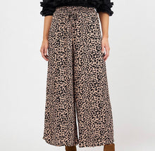 Load image into Gallery viewer, Delilah Leopard Pant