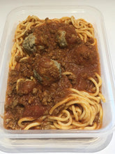 Load image into Gallery viewer, Spaghetti Bolognese Con Polpettine