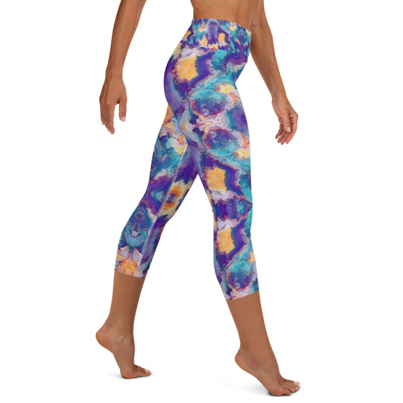 Women's High Waisted Pattern Leggings Capri Length Yoga Pants (Mid-Calf) in