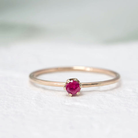 """Aster"" Delicate gold ring in Ruby"