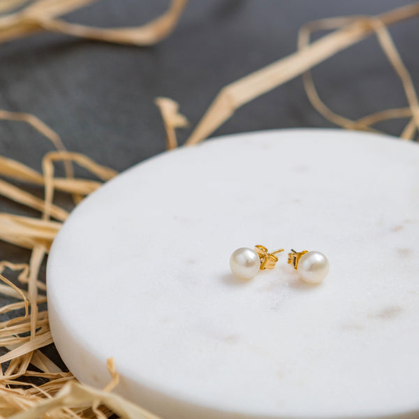 Hattie pearl stud earrings