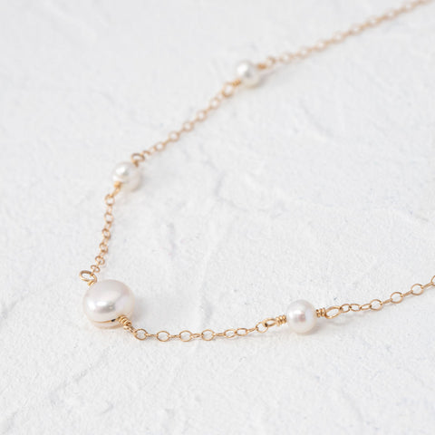 """Alexia"" dainty pearl necklace"