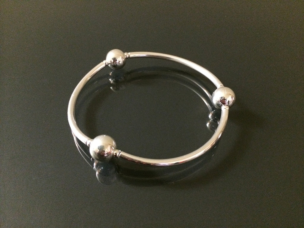 Handmade silver ball stretch bracelet