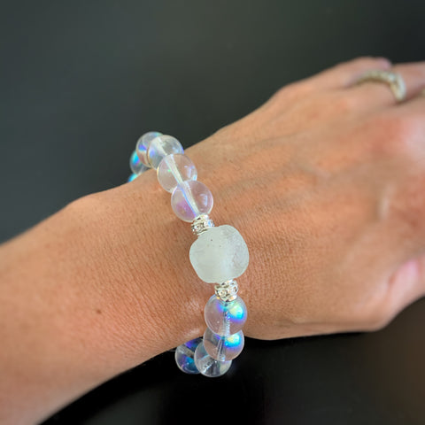 bubbke glass bracelet with iridescent glass and african glass