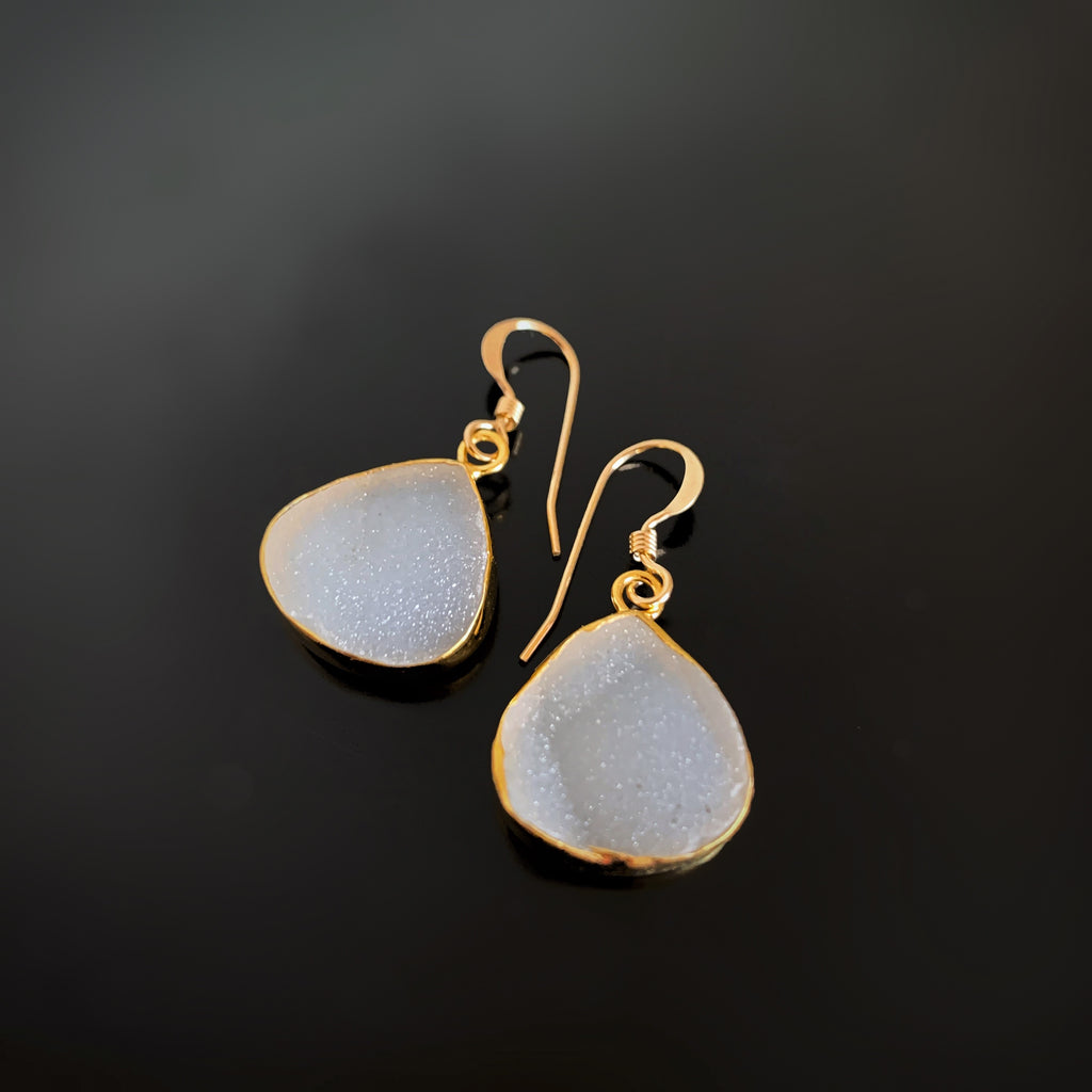 white sruzy quartz teardrop earrings in gold
