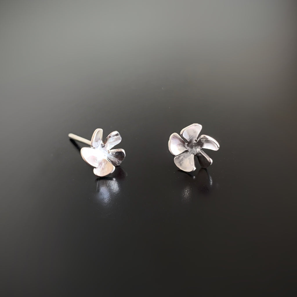 simple flower sterling silver post stud earrings