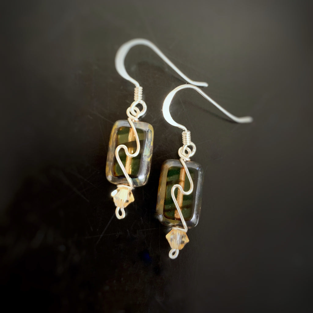 rectangle earrings in brown tiger color