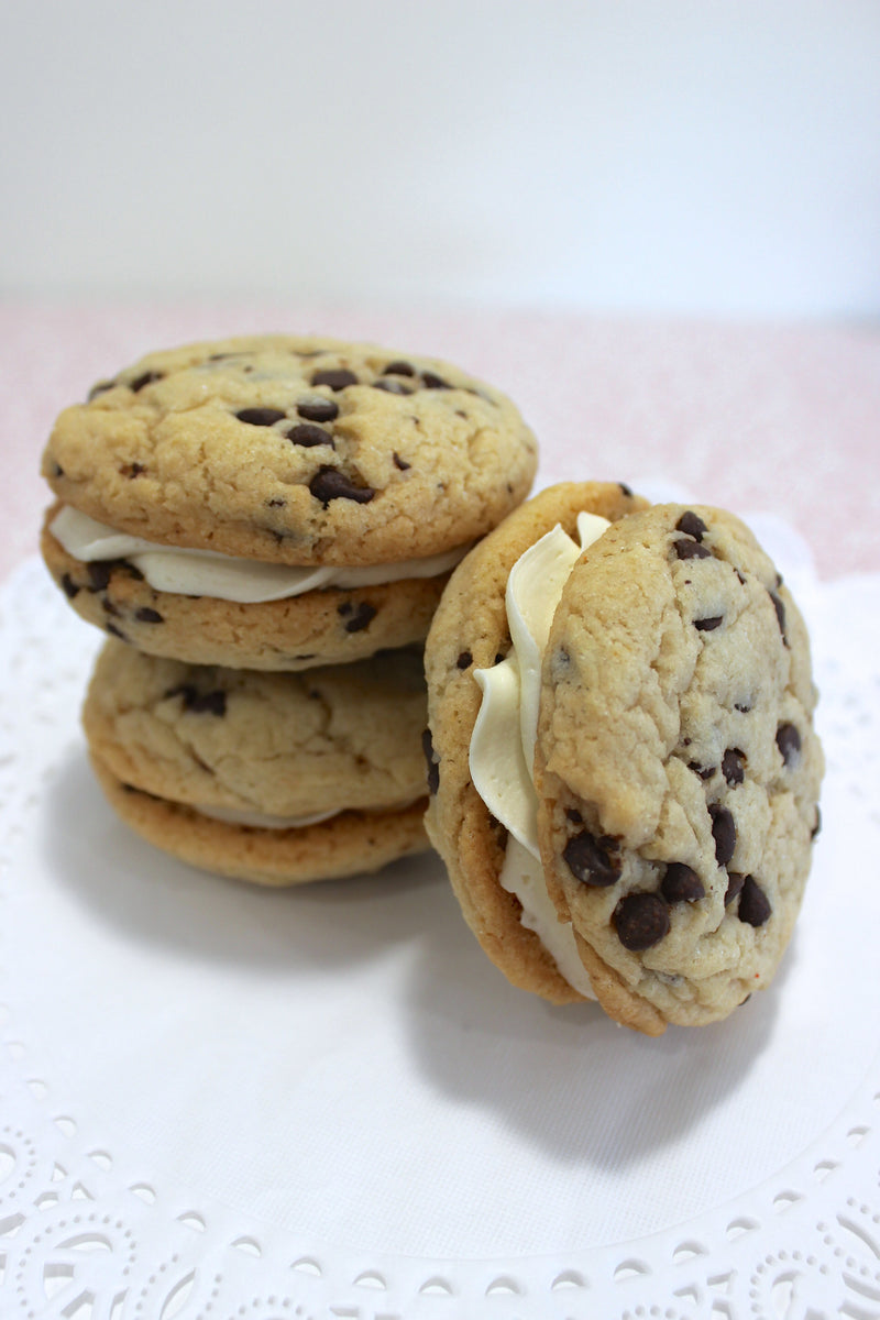 Chocolate Chip Whoopie Pie