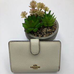 Primary Photo - BRAND: COACH STYLE: WALLET COLOR: IVORY SIZE: SMALL SKU: 200-200199-19751