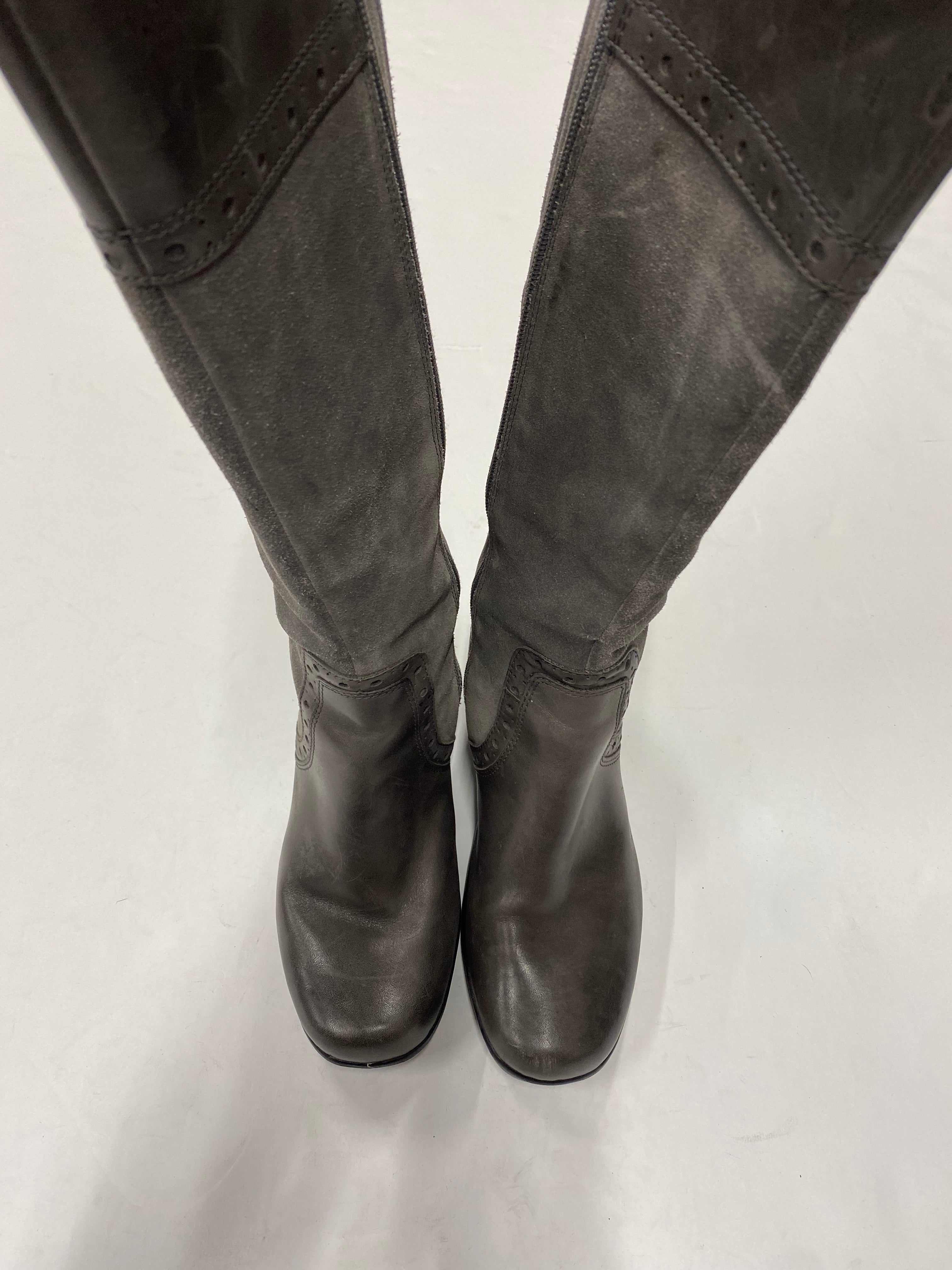 Primary Photo - BRAND: CLARKS <BR>STYLE: BOOTS KNEE <BR>COLOR: GREY <BR>SIZE: 7 <BR>SKU: 200-20012-8890