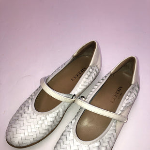 Primary Photo - BRAND:    CLOTHES MENTOR STYLE: SHOES FLATS COLOR: WHITE SIZE: 7.5 SKU: 200-200197-33745