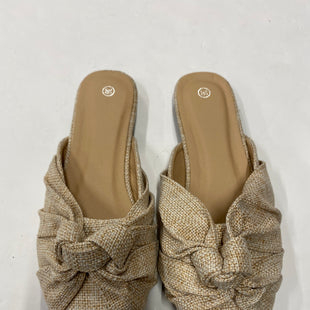 Primary Photo - BRAND:    CLOTHES MENTOR STYLE: SHOES FLATS COLOR: KHAKI SIZE: 6 SKU: 200-200197-32846