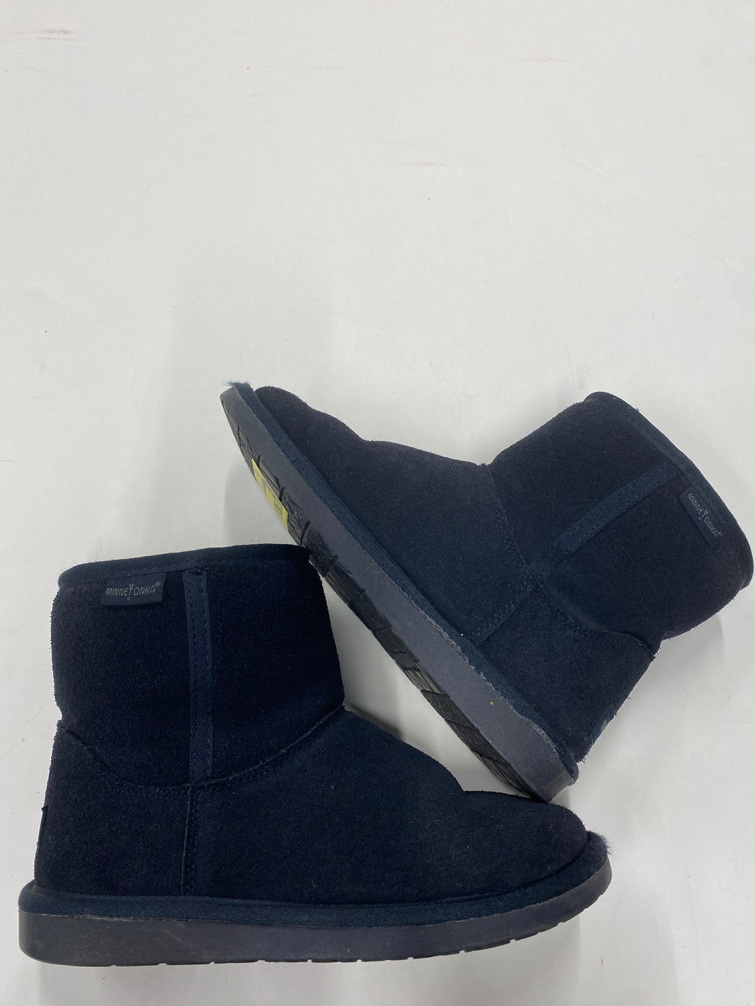 Primary Photo - BRAND: MINNETONKA <BR>STYLE: BOOTS ANKLE <BR>COLOR: NAVY <BR>SIZE: 6 <BR>SKU: 200-200178-19823