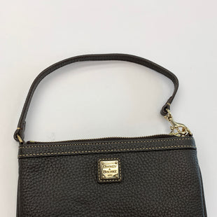Primary Photo - BRAND: DOONEY AND BOURKE STYLE: WRISTLET COLOR: BROWN SKU: 200-200178-18986