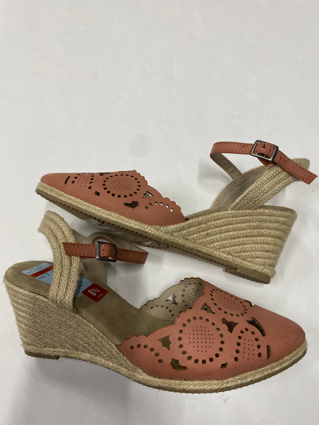 Photo #1 - BRAND: RIALTO <BR>STYLE: SANDALS LOW <BR>COLOR: PINK <BR>SIZE: 8.5 <BR>SKU: 200-200199-8029
