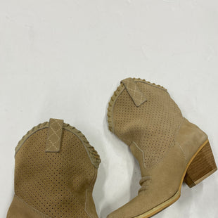 Photo #2 - BRAND: VERY VOLATILE STYLE: BOOTS ANKLE COLOR: BEIGE SIZE: 7 SKU: 200-20012-8811