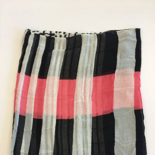 Primary Photo - BRAND:    CLOTHES MENTOR STYLE: SCARF COLOR: BLACK WHITE OTHER INFO: PINK SKU: 200-200178-14224