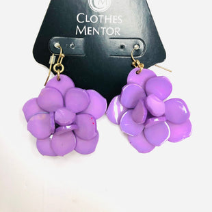 Primary Photo - BRAND:    CLOTHES MENTOR STYLE: EARRINGS COLOR: PURPLE SKU: 200-200199-6154