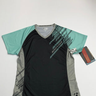 Primary Photo - BRAND:    CLOTHES MENTOR STYLE: ATHLETIC TOP SHORT SLEEVE COLOR: GREY SIZE: M OTHER INFO: BONTRAGER - SKU: 200-200178-27299