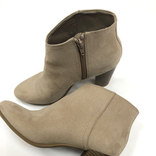 Primary Photo - BRAND: OLD NAVY STYLE: BOOTS KNEE COLOR: KHAKI SIZE: 8 SKU: 200-200199-16756