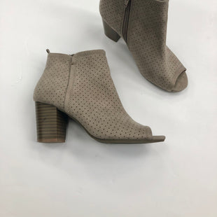 Primary Photo - BRAND: OLD NAVY STYLE: BOOTS ANKLE COLOR: TAUPE SIZE: 6 SKU: 200-200178-21673