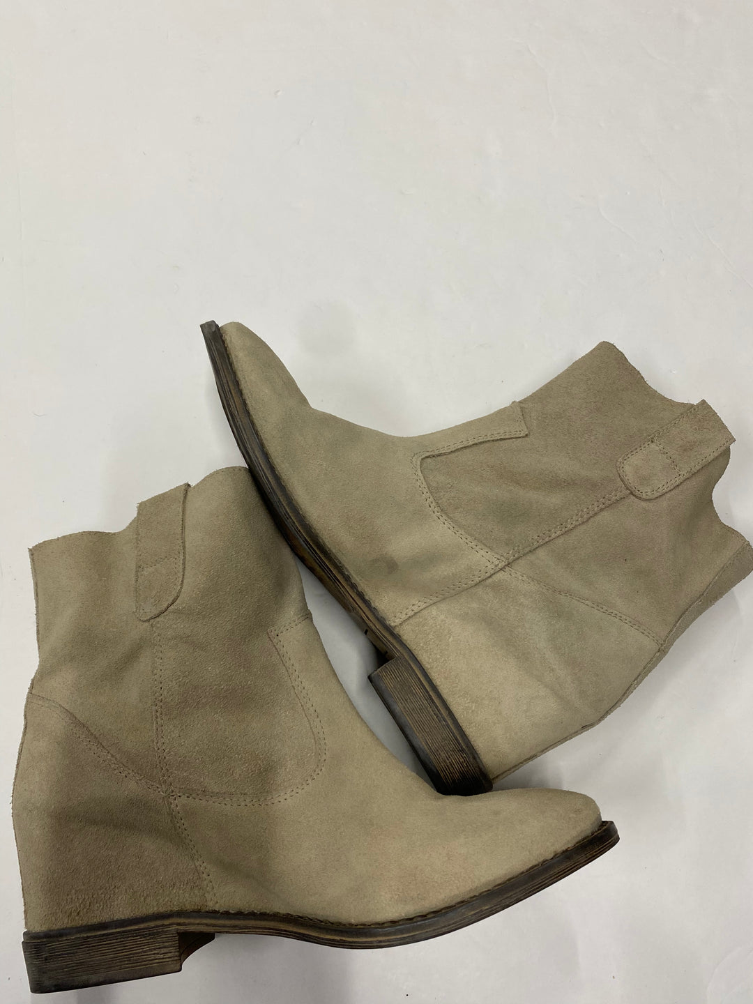 Photo #1 - BRAND: BOUTIQUE + <BR>STYLE: BOOTS ANKLE <BR>COLOR: BROWN <BR>SIZE: 11 <BR>SKU: 200-200197-32017