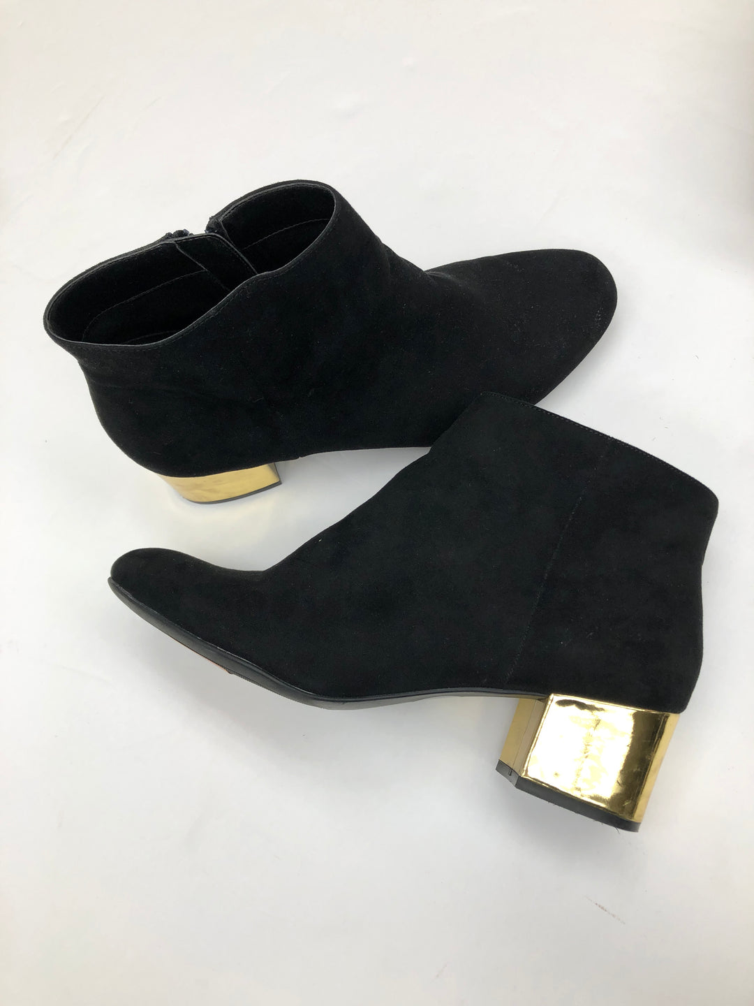 Primary Photo - BRAND:    CLOTHES MENTOR <BR>STYLE: BOOTS ANKLE <BR>COLOR: BLACK <BR>SIZE: 9.5 <BR>SKU: 200-200202-4039
