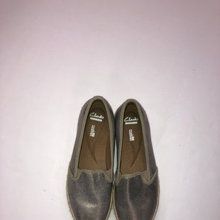 Primary Photo - BRAND: CLARKS STYLE: SHOES FLATS COLOR: SILVER SIZE: 8 SKU: 200-200199-5410