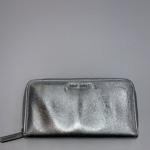 Primary Photo - BRAND: NINE WEST STYLE: WALLET COLOR: SILVER SIZE: LARGE SKU: 200-200178-16869